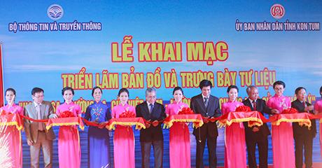 """Một số hình ảnh về Triển lãm bản đồ và trưng bày tư liệu """"Hoàng Sa, Trường Sa của Việt Nam – Những bằng chứng lịch sử và pháp lý"""""""