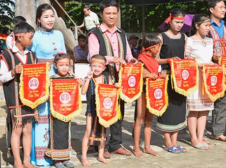 Thành phố Kon Tum: 960 học sinh tham gia Liên hoan Cồng chiêng lần thứ IV